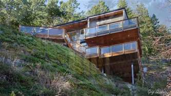 Building A House On A Slope by Unique Houses On Sloping Ground Hillside Homes Youtube