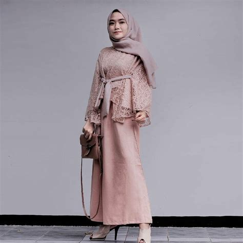 Kebaya Mewah Duyung 33 model kebaya brokat modern 2019 mewah elegan