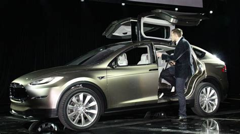tesla model x price tops out at 100 000