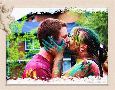 holi couple wallpaper hd romantic girl boy colorful holi kiss hd wallpaper