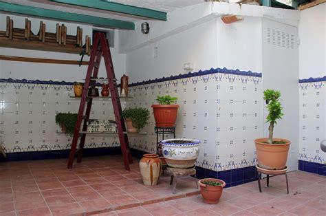 azulejos patio andaluz juan carlos isla reformas jes 250 s isla p 225 2