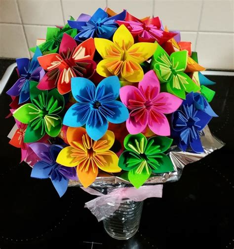 Make Origami Flower Bouquet - how to make origami flowers everywhere