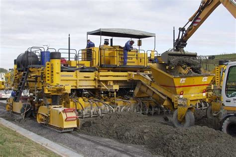 Paving Supplies Gomaco World 35 2 Introducing A New Slipforming System