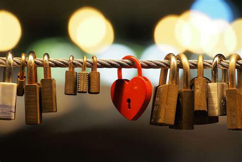 images of love locks love lock wikipedia