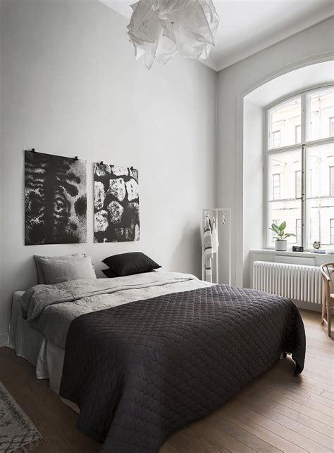 black minimalist 40 minimalist bedroom ideas less is more homelovr