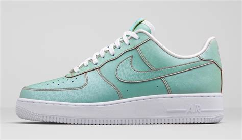 the statue of liberty nike air 1 is releasing soon