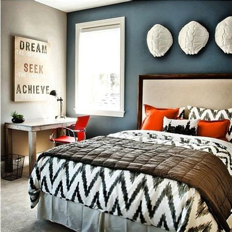 black and white bedding blue accent wall bedroom decorating ideas bold colors