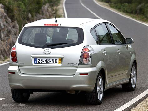 toyota corolla verso specs 2004 2005 2006 2007 autoevolution toyota corolla verso specs photos 2004 2005 2006 2007 autoevolution