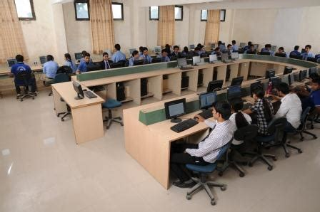 Of Waterloo Mba Fees by Top 100 Mba Colleges In India Top 10 Mba Colleges In India