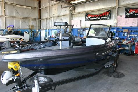 recon boat prices 2015 recon 985 dcx 19 foot 2015 boat in oshkosh wi