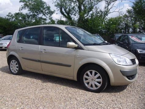 renault scenic 2007 used gold renault scenic 2007 petrol 1 6 vvt dynamique 5dr