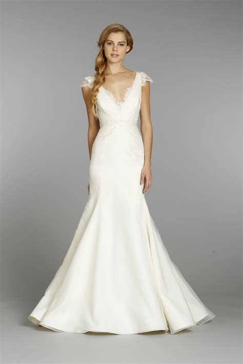 Choosing The Right Wedding Dress For Your Body Shape   Lava360