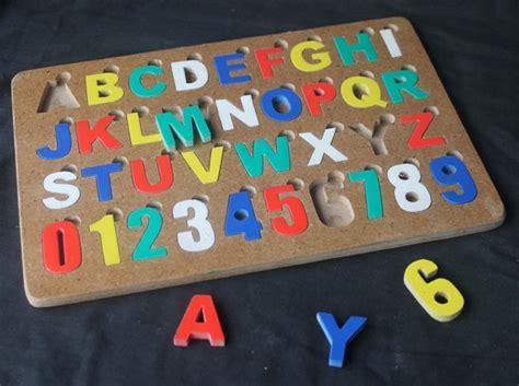 Puzzle Angka Alphabet puzzle alphabet angka cat huruf b mainan kayu