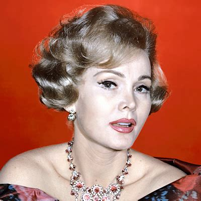 zsazss gabor hair style 1959 zsa zsa gabor s changing looks instyle com