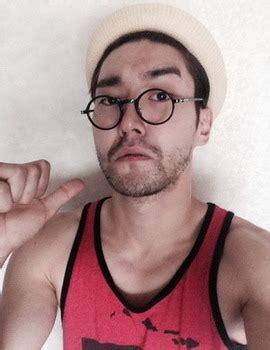 Kacamata Hitam Ala Jhon Lennon Kaca Mata Keren Murah tren kacamata bulat ala artis korea