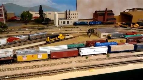 santa fe layout youtube n scale santa fe and union pacific layout youtube