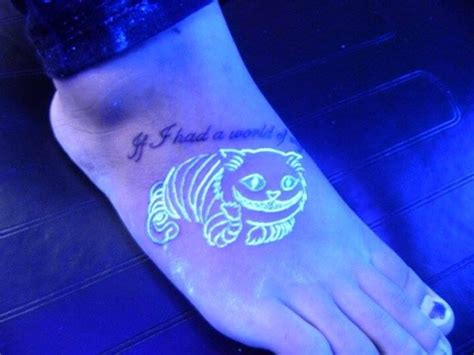 cheshire cat tattoo glow in the dark 100 glowing black light tattoos dzine mag