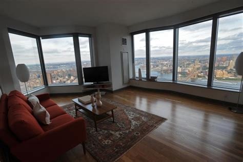 average rent for a one bedroom apartment they re back manhattan landlords are starting to offer