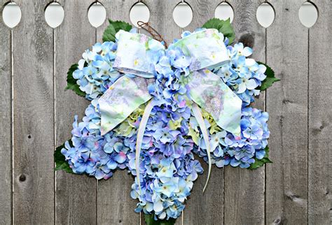hydrangea wreath home decor blue by julieshomecreations