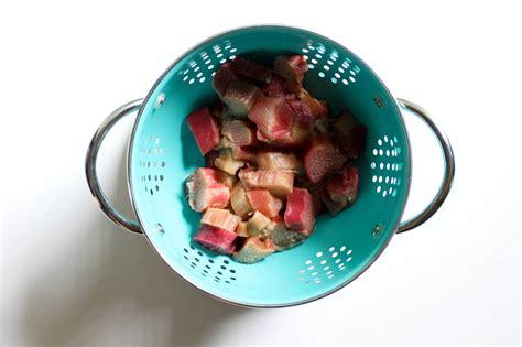 rabarbaro come si cucina come cucinare il rabarbaro 6 passaggi wikihow