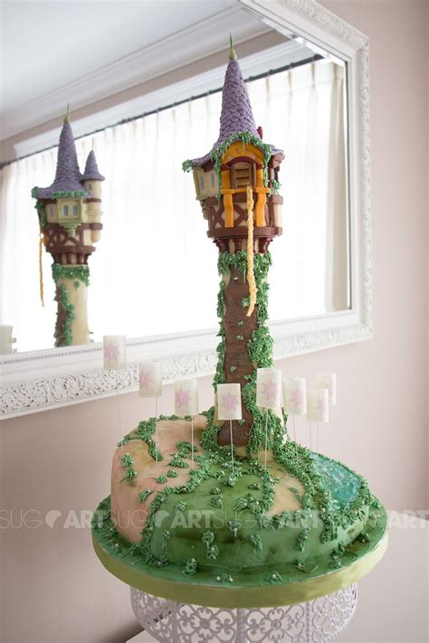 la  de raiponce en biscuits  gateau rapunzel tower