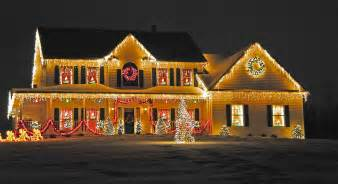 Homes With Christmas Decorations by Tangled Christmas Lights Raise The Risk