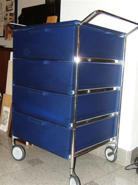kartell cassettiere cassettiera kartell scontata 11716 complementi a prezzi