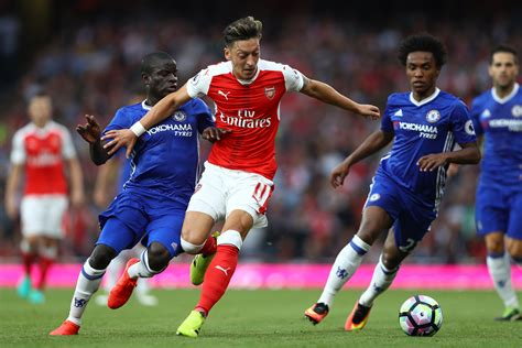 arsenal squad arsenal fans receive mixed news regarding new deals for
