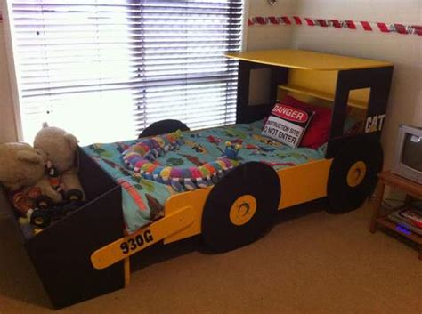 themed toddler beds kurts construction room inspiration for kids bedroom