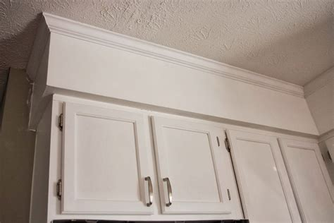 how to install kitchen cabinet crown molding how to install crown molding on kitchen cabinets video