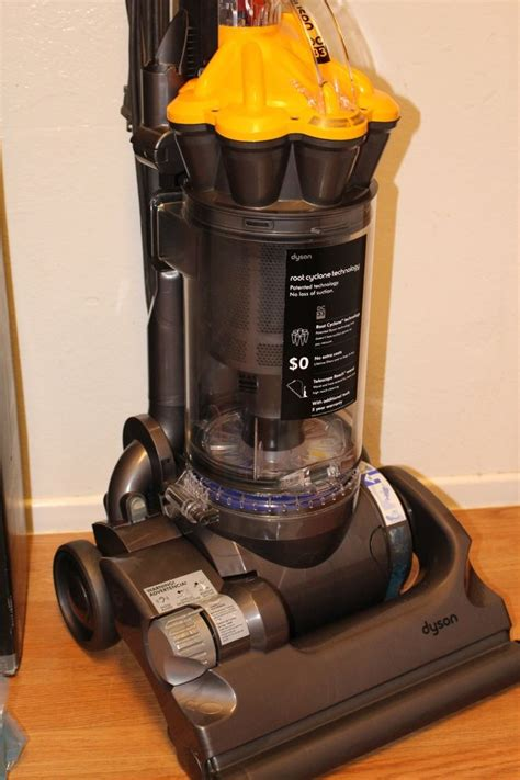 Qualtex As007 Carpet Shoo Vacuum Dyson Dc33 Multi Floor Upright Bagless Vacuum Cleaner