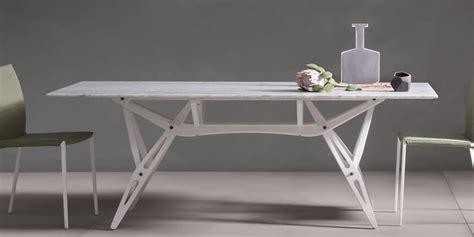 tavolo reale zanotta tavoli cassina knoll international poltrona frau maxalto