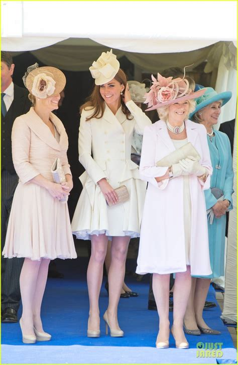 kate middleton receives royal order from queen elizabeth full sized photo of kate middleton order garter service 09