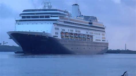 schip zaandam cruise ship zaandam enters nawiliwili harbor lihue kauai