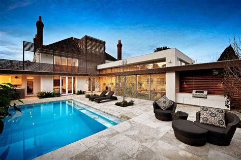 spectacular contemporary swimming pools  youll