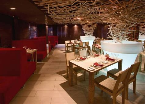 restaurants decor ideas sustainable restaurant decor idea iroonie