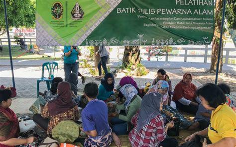 Batik Tulis Pewarna Alam fad bappeda beri pelatihan batik tulis pewarna alam ukdw