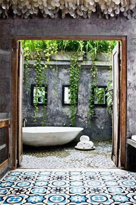 outdoor bath splendidspaces house ideas