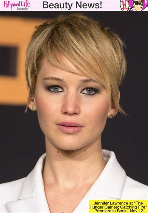 jennifer lawrence s short hair at catching fire premiere her hot look hollywood life