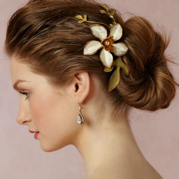 Hair Style Accessories by 12 Gorgeous Wedding Hair Accessories Stylecaster