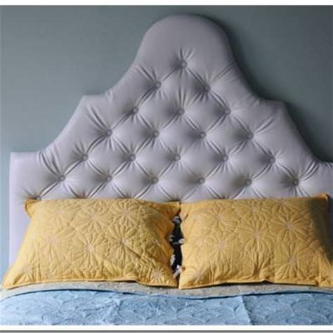 Diy Tufted Headboard by Tufted Upholstered Headboard Diy Tip Junkie