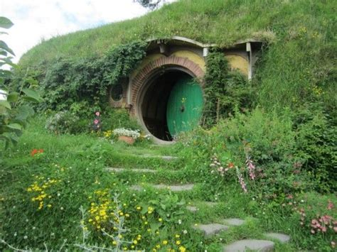hobbit hole hobbit hole in new zealand dream vacations pinterest