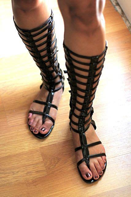 Sandal Gladiator Pria 19 new tunic dress knee hi gladiator sandals the incurable homebody