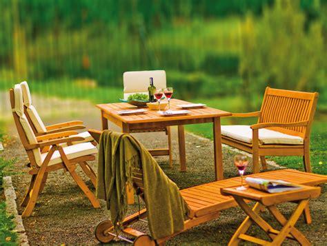 gartenm 246 bel aus robinie kreutz landhaus magazin - Landhaus Gartenmöbel