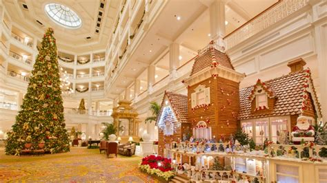 grand house bus festive holiday cheer coming to walt disney world resort hotels this winter
