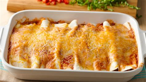 what to cook for dinner of 4 12 easy enchilada recipes from pillsbury