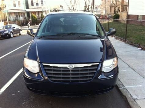 Chrysler Town And Country Stow And Go Seats by Purchase Used Chrysler Town Country Touring Stow N Go