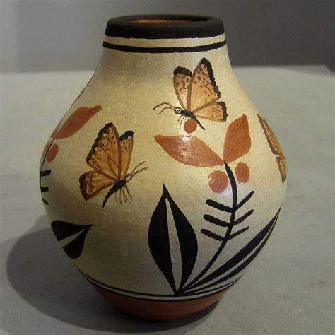 pot designs elizabeth and marcellus medina zia pueblo potters