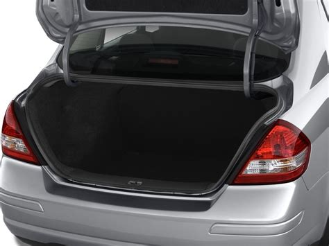 nissan tiida trunk space image 2009 nissan versa 4 door sedan auto s trunk size