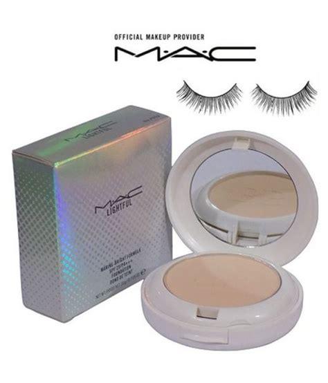 Mac Lightful Compact Powder mac eyelashes with lightful compact pressed powder